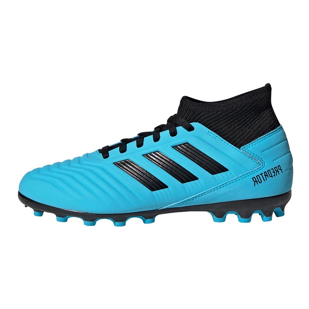 Football Boots for artificial ground